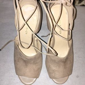 Tan open toes lace up leg heels!